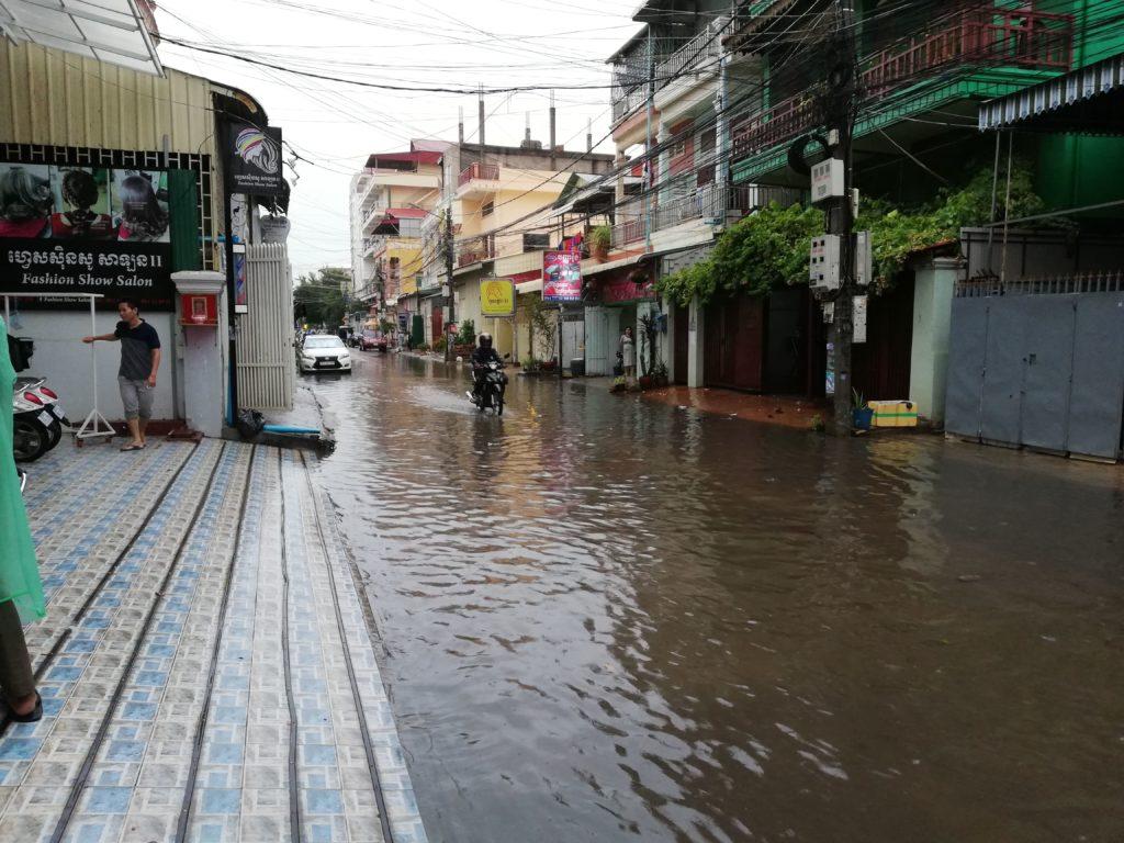 プノンペン市内の水没